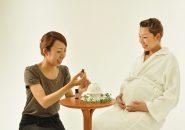 マタニティーの時期にのみ味わうことができる赤ちゃんと二人で受ける 至福の時間です。